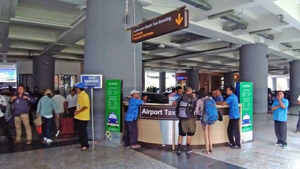 空港タクシーのカウンター