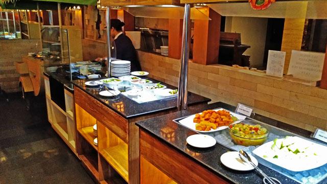 野菜とエッグスタンド