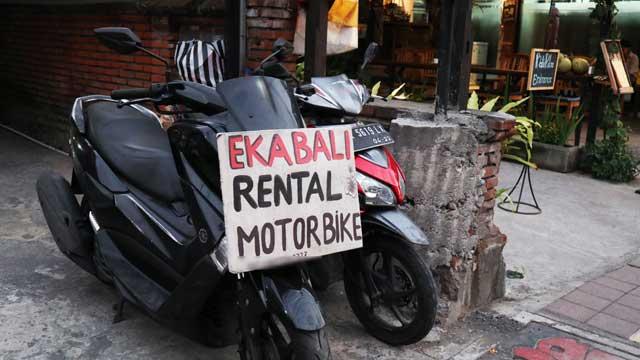 街角のバイクレンタル