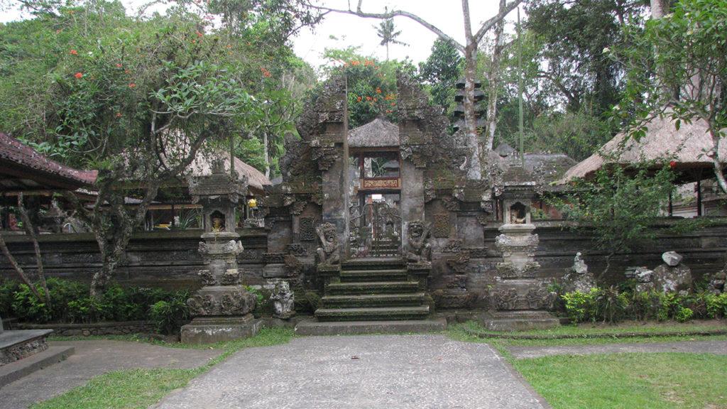 グヌンルバー寺院