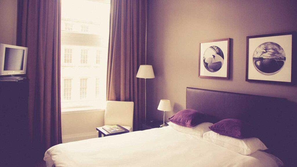 安そうなホテル